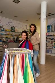 Nuria y Lydia farmacia 1